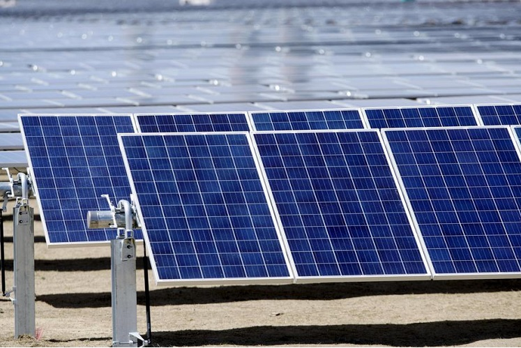 Plan to send solar power from Australia to Singapore moves on