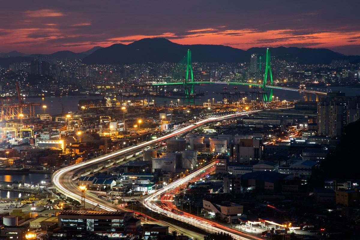 South Korean Economy Returns to Growth