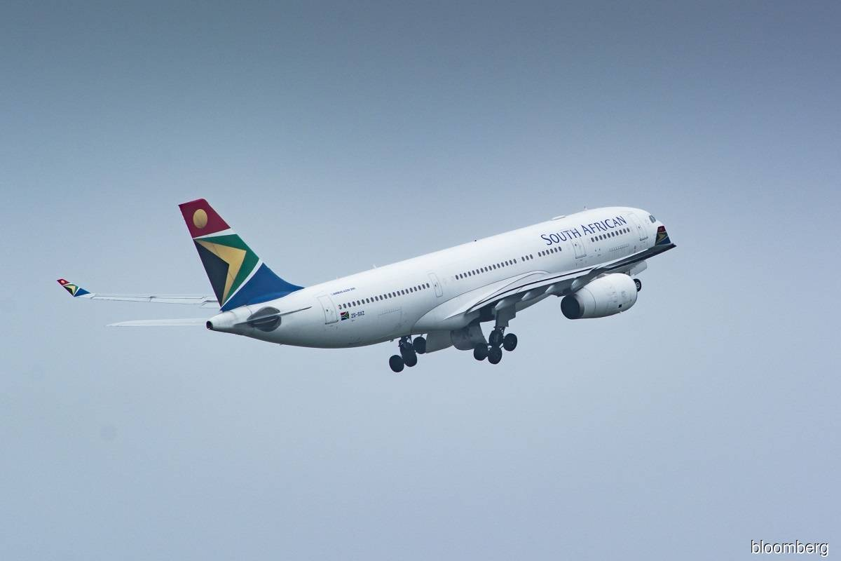 Consortium to take 51% stake in South African Airways — minister
