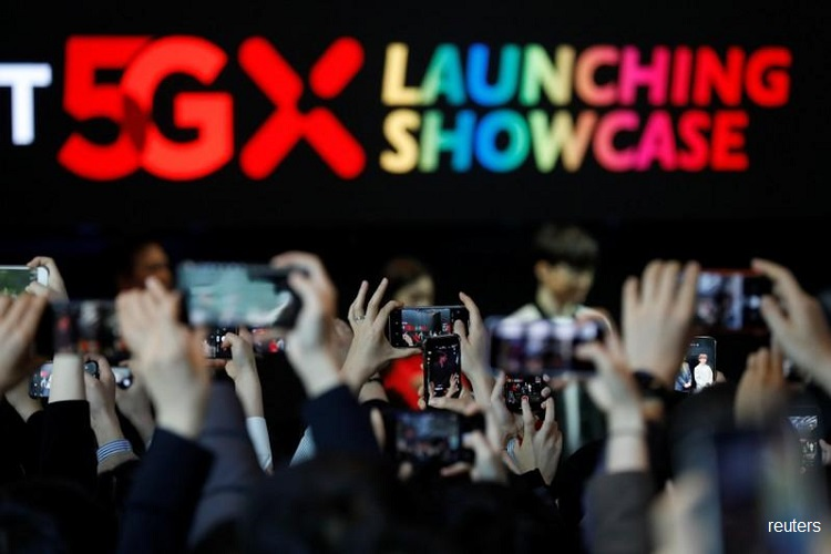 South Korea launches 5G smartphone networks 2 days ahead of schedule