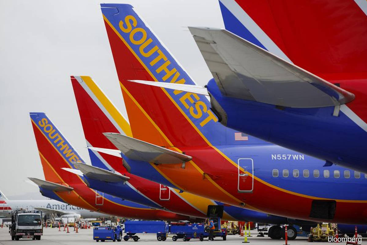 Airline insiders sell most shares in three years amid rally