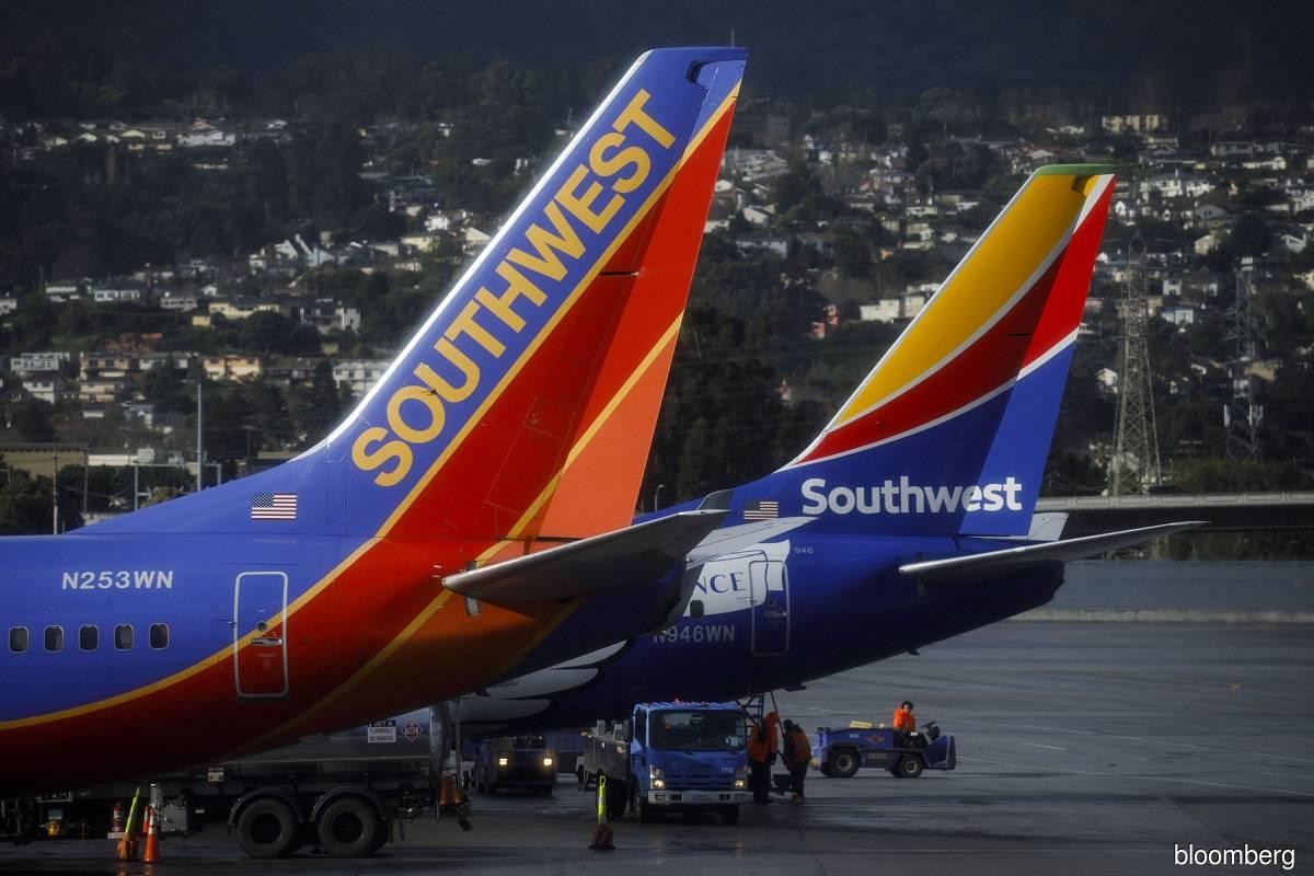 Southwest reports biggest-ever quarterly loss on virus hit