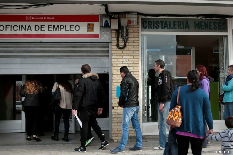 The number of people in Spain registering as jobless rose by 0.13% in June from a month earlier, or by 5,017 people, leaving 3.86 million people out of work, Labour Ministry data showed on Thursday. (Photo by Reuters)