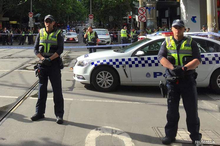 Fatal stabbing in Melbourne 'linked to terrorism'
