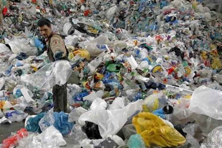 100 illegal plastic waste recycling plants to be closed down soon — Yeo