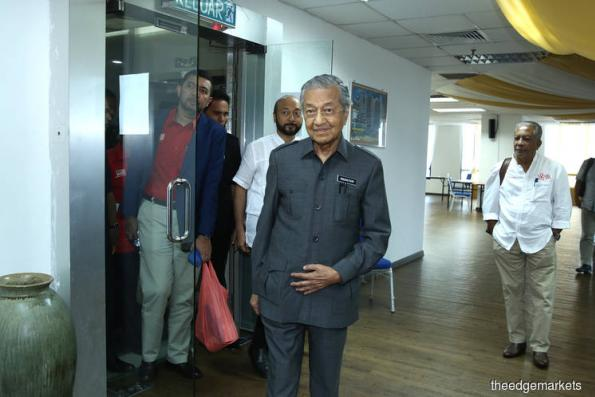 Many complaints of alleged cheating by EC received by Pakatan, says Dr Mahathir