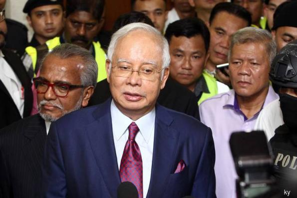 Najib arrives at High Court for gag order hearing