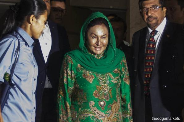 Rosmah leaves MACC HQ after over 12 hours of questioning
