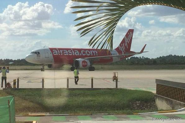 AirAsia sells 25 aircraft to Castlelake for RM3.2b