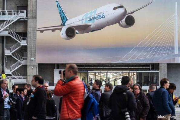 Airbus plans A330Neo tweak to fend off Boeing's new mid-size jet