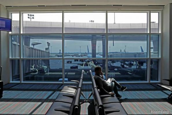 Airports are using 'smart glass' to make you spend more money