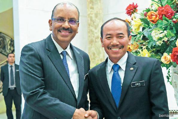 Ismail Bakar takes over as Chief Secretary