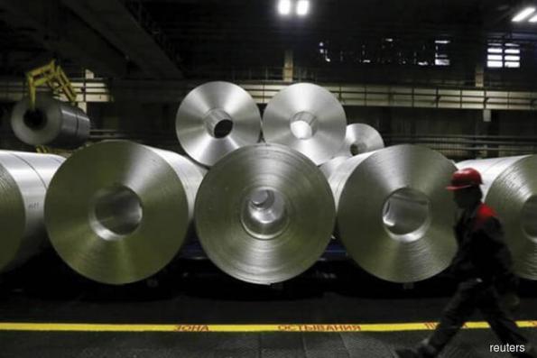 Aluminium extends rally to 3-1/2-month peak on alumina shortage fears