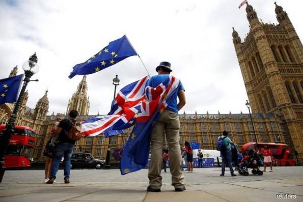 Three quarters of big UK firms downbeat on Brexit -Deloitte survey
