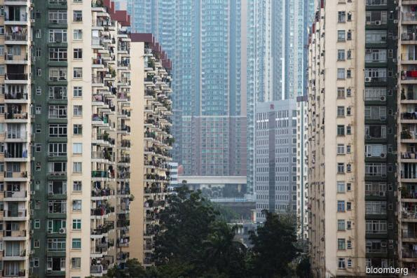 Moody's warns of material decline in property prices