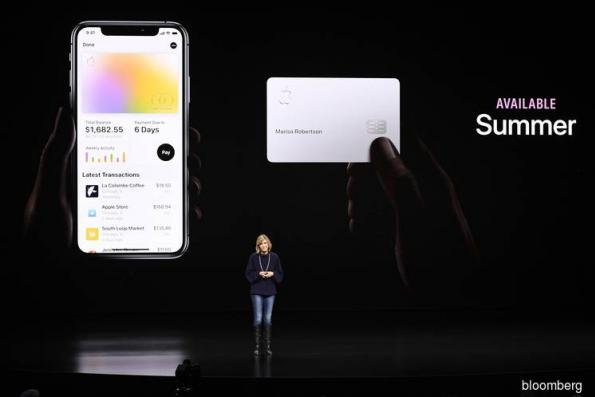 Apple Debuts Titanium Credit Card With Goldman, Mastercard