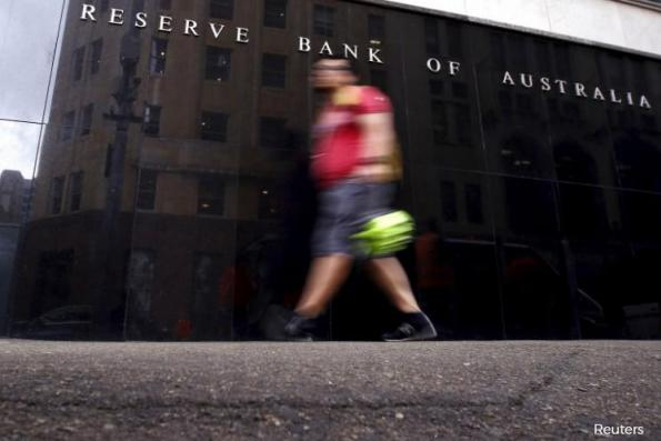 Australia c.bank sees no 'automatic implications' from global rate hikes