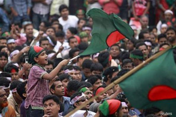 Bangladesh shuts down mobile Internet due to protests