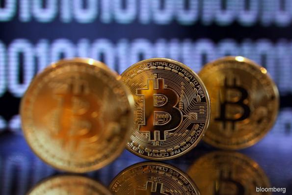 Bitcoin Plummets Below $6,000 to Lowest Level in Over a Year