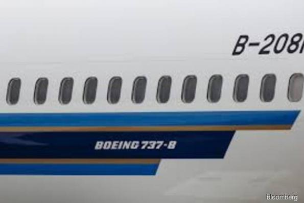 Airlines rethink US$57 bil in Boeing orders after crash