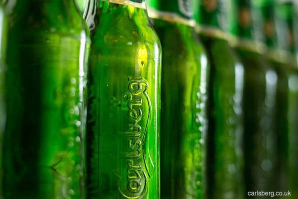 Carlsberg rises 5% on improved 1Q earnings