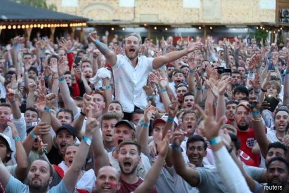 Shootout curse banished, England fans dare to dream