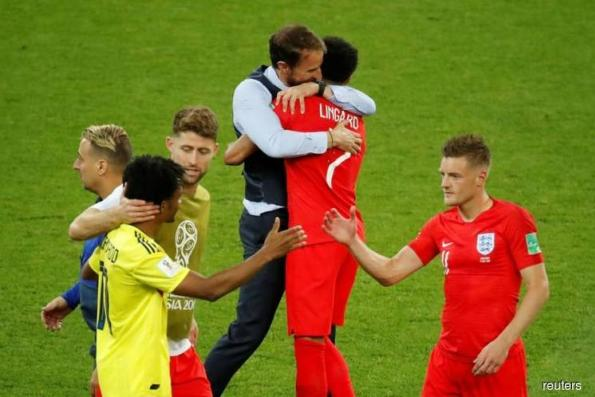 England move to second favourites after win