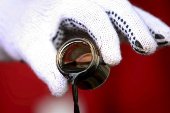 Brent reaches US$80 a barrel after US crude stock draw