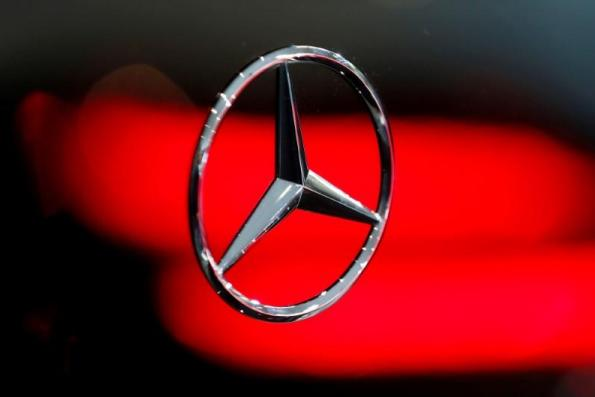 Daimler signals it's open to work with billionaire Li Shufu in China