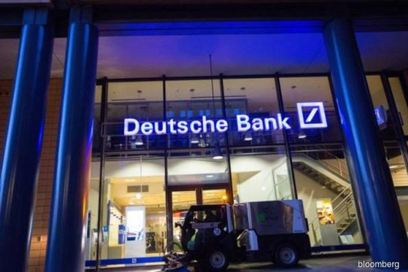 Deutsche Bank is said to plan cutting bonuses by about 10%