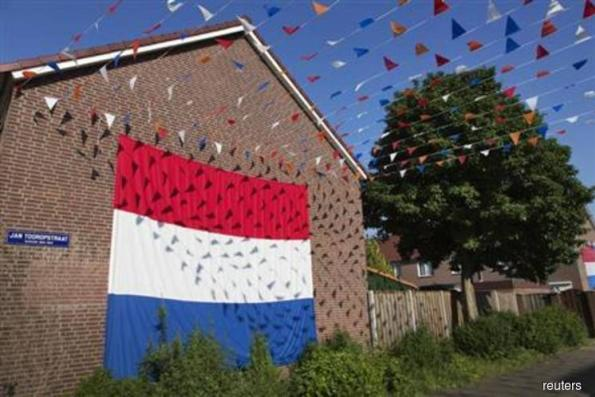 Dutch government review finds 72 errors in recent tax deals