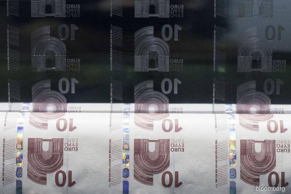 Euro set for biggest weekly rise in a month; ECB eyed