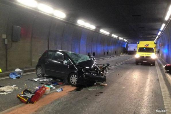 Fatal crash closes Swiss Gotthard road tunnel for hours