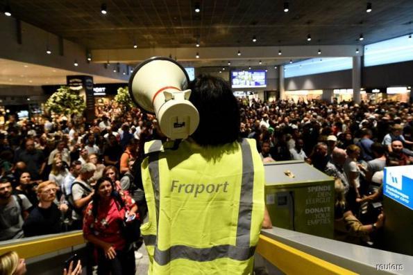Security lapse sparks evacuation at Frankfurt airport