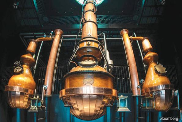 Steampunk meets science at 'Gin Palace'