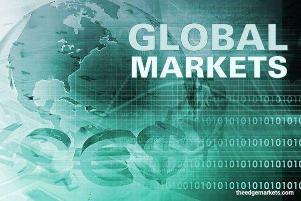 Oil plummets on global demand concerns; U.S. stocks turn lower