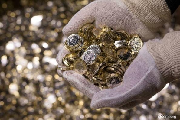 Brexit Turmoil Spurs U.K. Investors to Buy Gold, Royal Mint Says