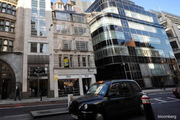 Billionaire Lau said to plan redevelopment of Goldman London HQ