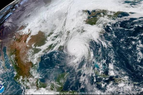Hurricane hitting Florida to cloud U.S. economic data for months