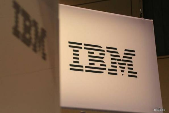 IBM's first revenue rises in nearly 6 years tops estimates