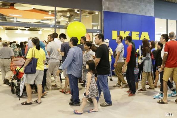 IKEA Tebrau opens for business