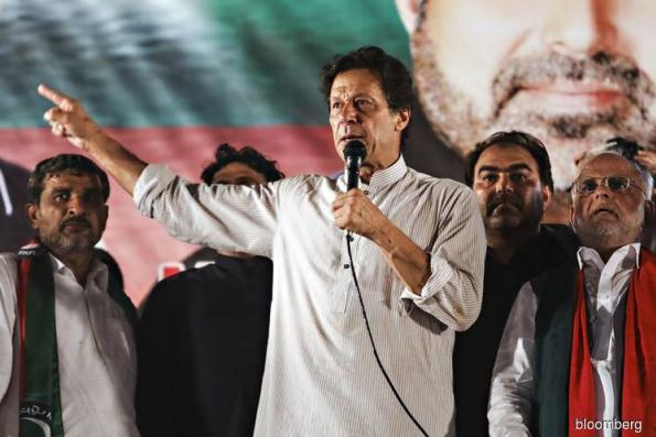 Imran Khan wins lawmaker vote to become Pakistan Prime Minister