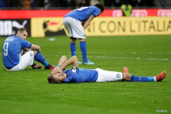 Misfiring Italy fail to reach World Cup as Sweden go through