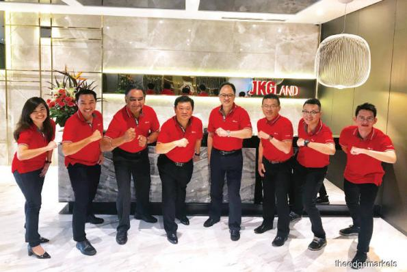 JKG Land shows strong support for charity
