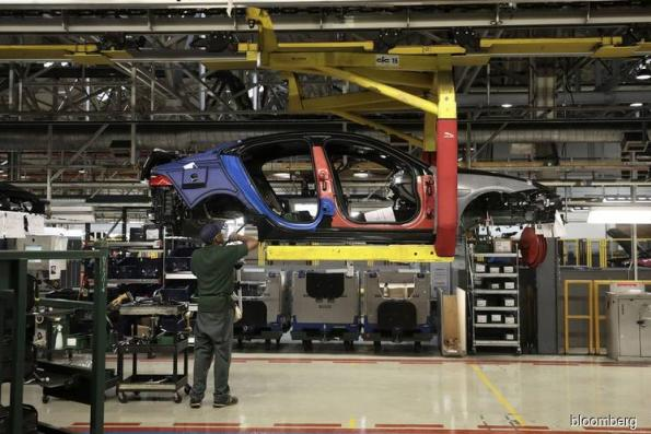 Jaguar to Cut 4,500 Jobs Worldwide Amid Brexit, China Slump