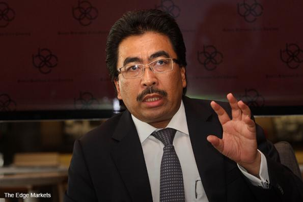 Johari should not bluff that government has not given 1MDB public funds to settle debts, says DAP's Pua