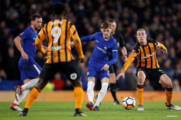 Chelsea stroll past Hull into FA Cup quarter-finals