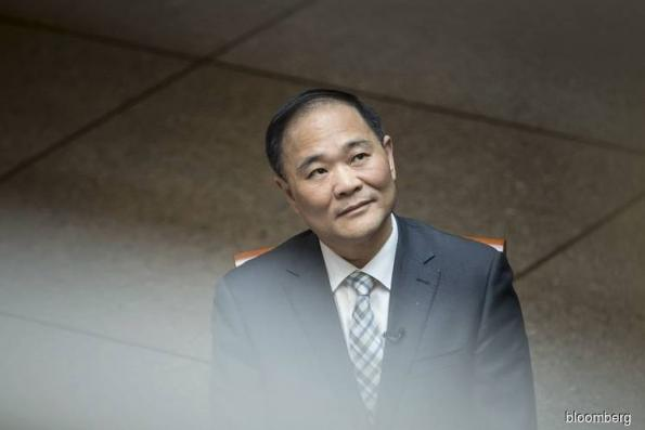 Billionaire Li Parlays Daimler Stake Into Ride-Hailing Talks