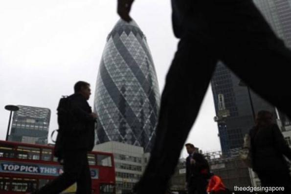 Global investor confidence falls for fifth straight month in Dec