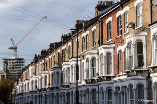 UK surveyors see weakest house price outlook since Brexit vote — RICS